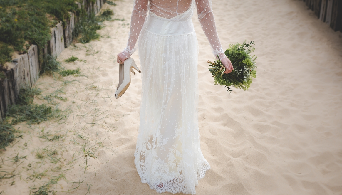 The Pros and Cons of a Beach Wedding